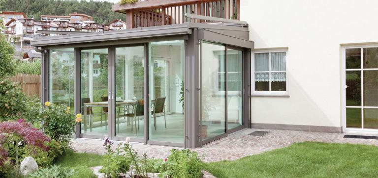 Veranda Finstral con profili in alluminio