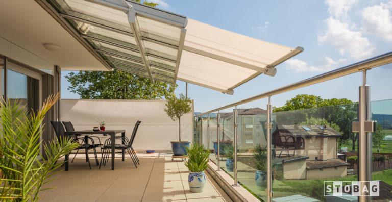 Tetto vetrato con tende da sole integrate, innovativa proposta di Dughera Serramenti